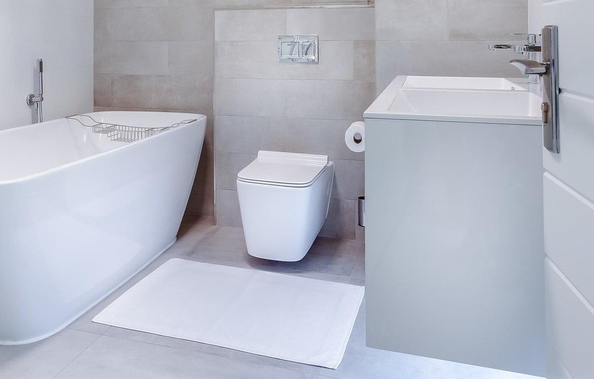 wymiana i montaż toalet